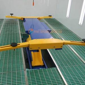 Подъёмник установленный в окрасочной камере. Тверская область.